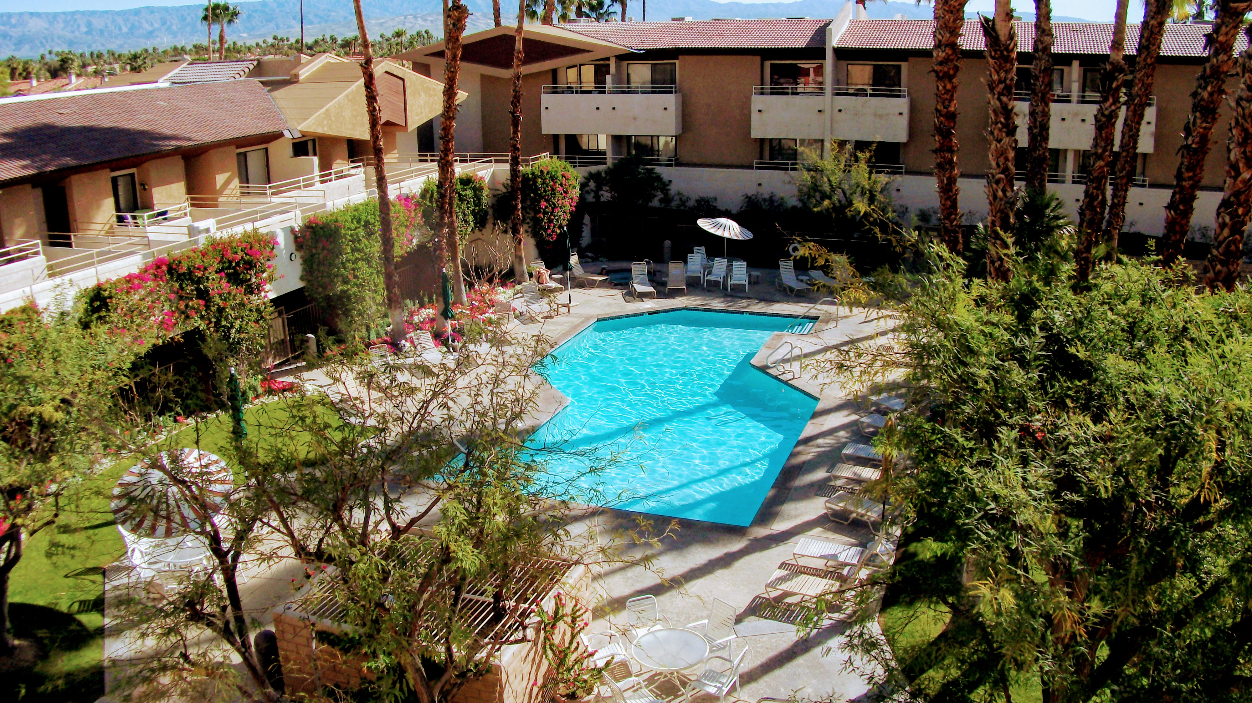 Palm springs condo for sale biarritz downtown palm for Palm springs for sale by owner