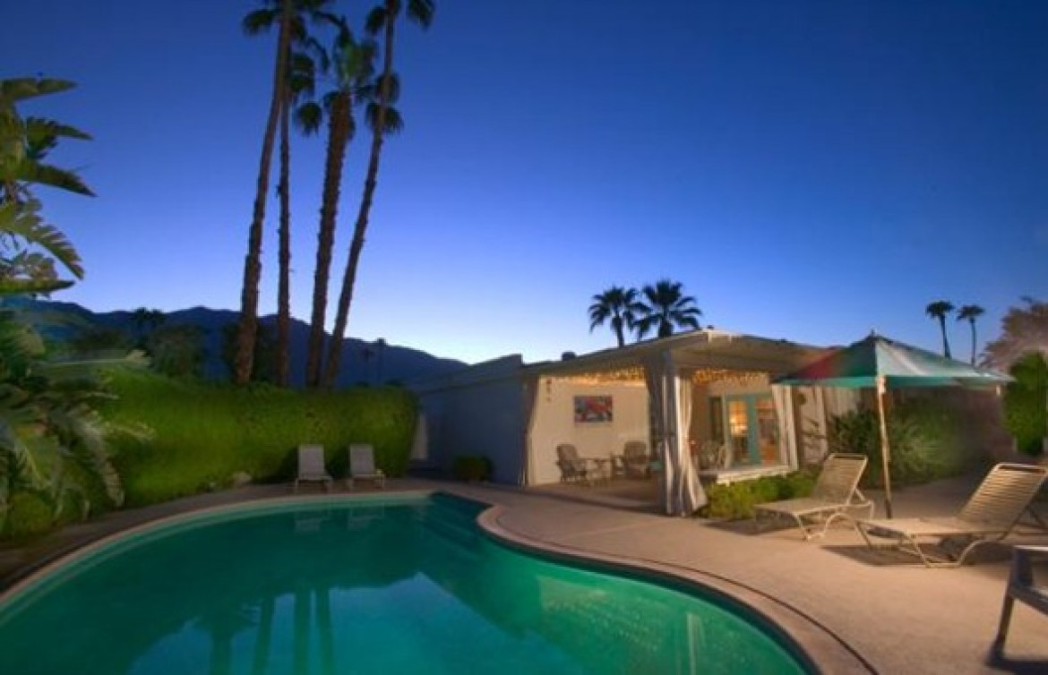 Palm Springs Condos on Lease Land
