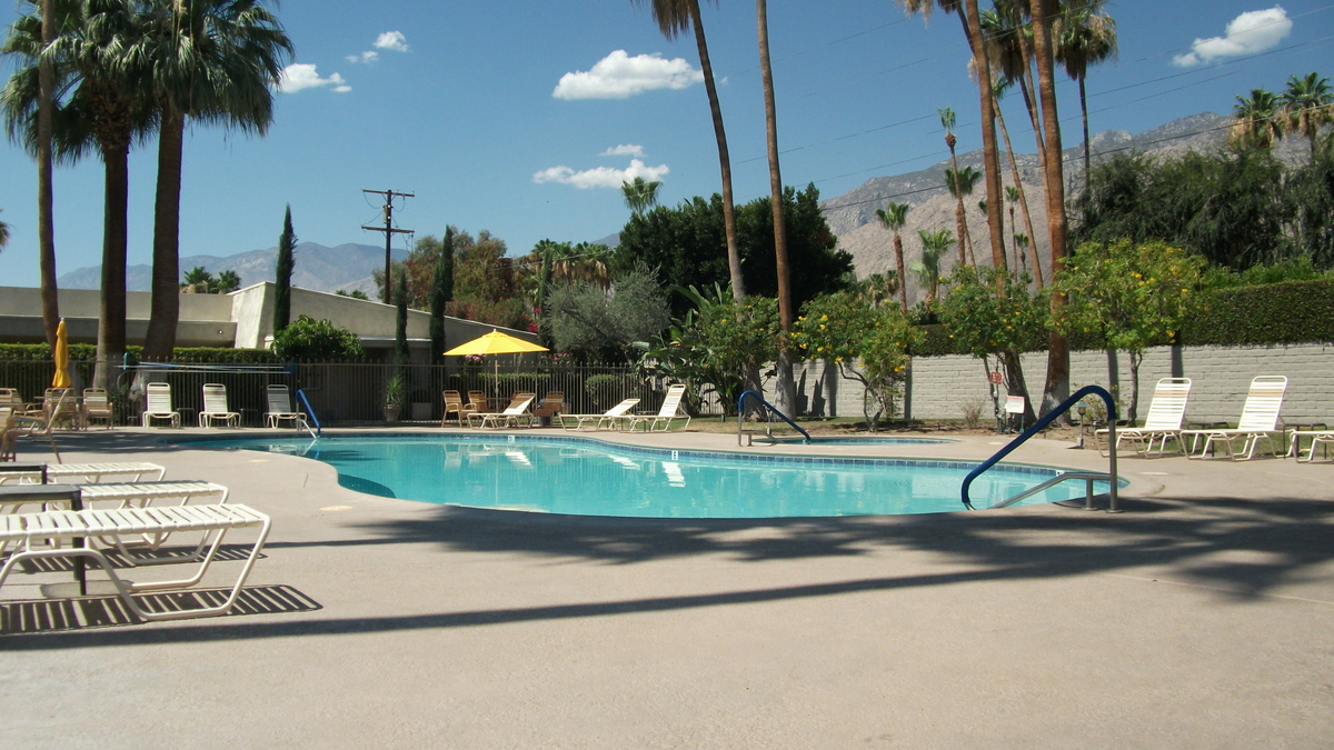Palm Springs Lease Land